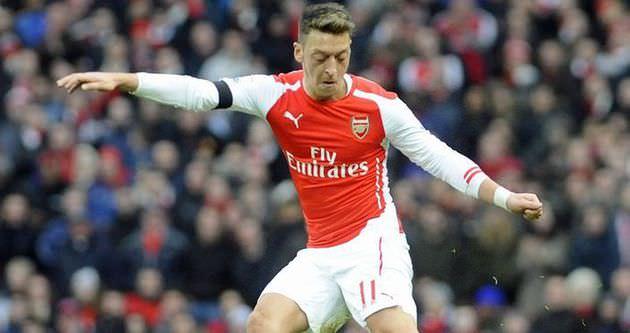 Mesut Özil aylar sonra sahalara döndü