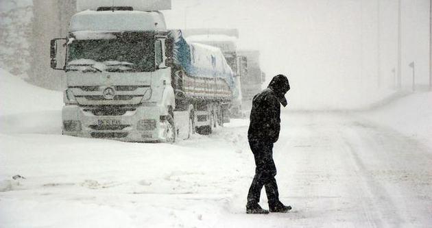 Balıkesir-İstanbul karayolu ulaşıma kapandı