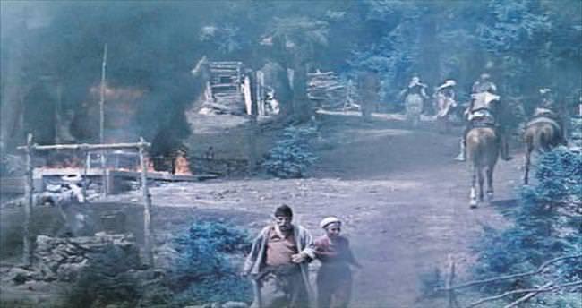 40 günde yapılan iki köy iki dakikada kül oldu