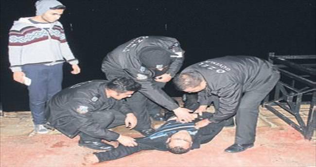 Seyhan Nehri'ne atladı, güvenlikçiler hayatını kurtardı