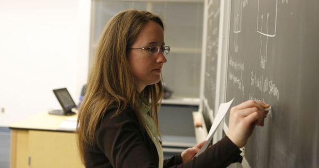 Öğretmen maaşlarına 400 TL zam müjdesi