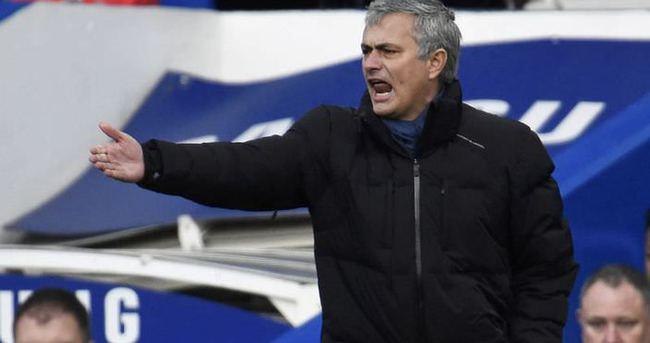 Mourinho: Çok şişmansın,emekli olmalısın
