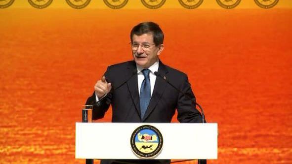 Başbakan Davutoğlu'ndan esnafa faizsiz kredi müjdesi