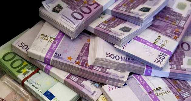 Euro tedavüle çıktığı 1,1747 seviyesinin altını gördü