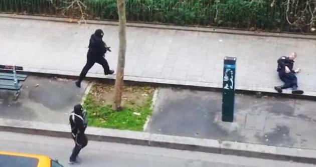 O polis Osmanlı şehzadelerinin yanında defnedildi