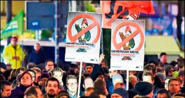 PEGIDA karşıtları sokaklara döküldü