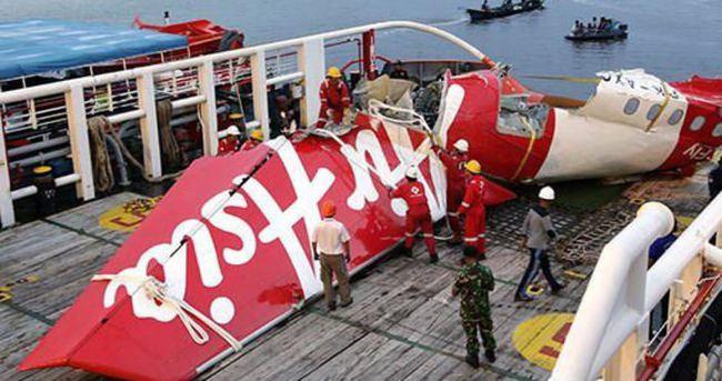 Düşen Endonezya uçağının şok ses kaydı!