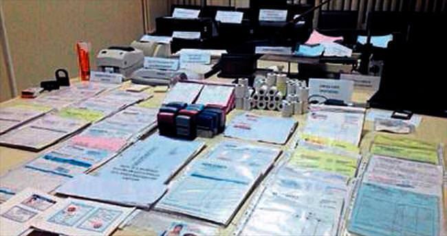 Sahte belge hazırlayan şebeke yakayı ele verdi