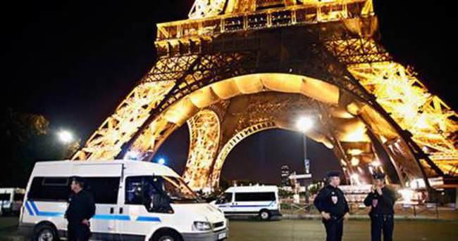 Fransa'da polise araçla saldırı