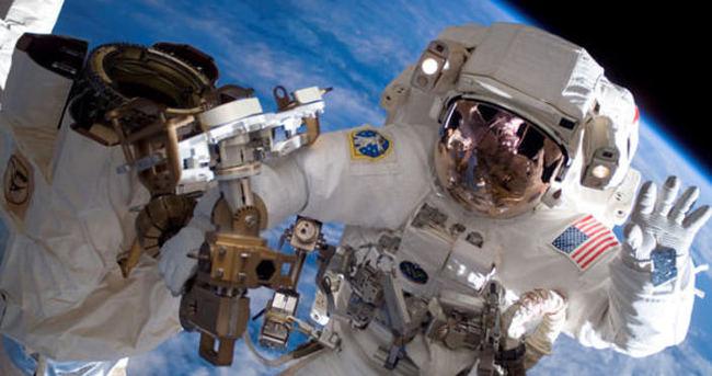 ABD'li astronotlar uzayda tehlike atlattı