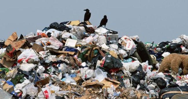 Çöpten 2,5 milyar TL çıktı