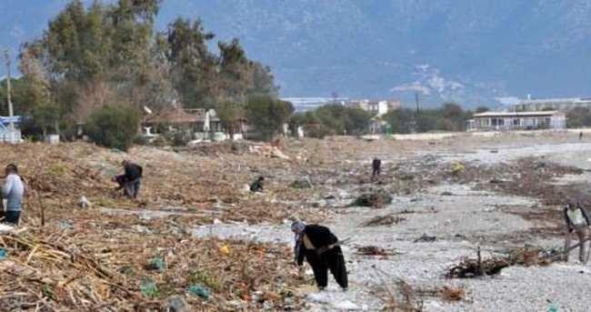 Antalya'da yağışın ardından yaralar sarılıyor