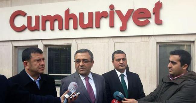 CHP'li vekillerden Cumhuriyet'e ziyaret