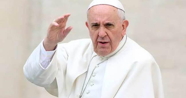 Papa'dan Charlie Hebdo çıkışı