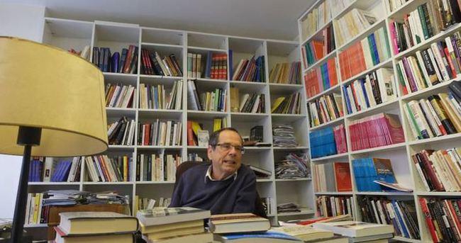 Fransız yazar: Ben Charlie değilim
