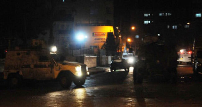 Cizre'de kaymakamlık binasına roketli saldırı