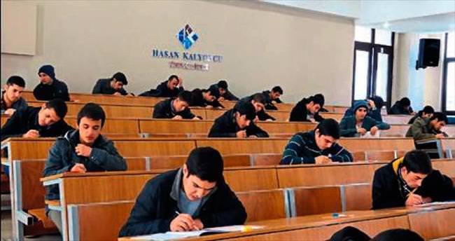 HKÜ, üniversite adaylarını YGS için hazırlıyor