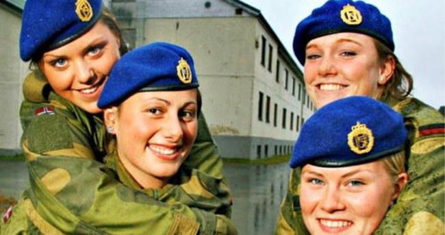 Norveç'te IŞİD'e karşı 30 bin kadın asker oluyor