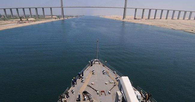Yeni Süveyş Kanalı çöktü: 250 işçi kayıp!