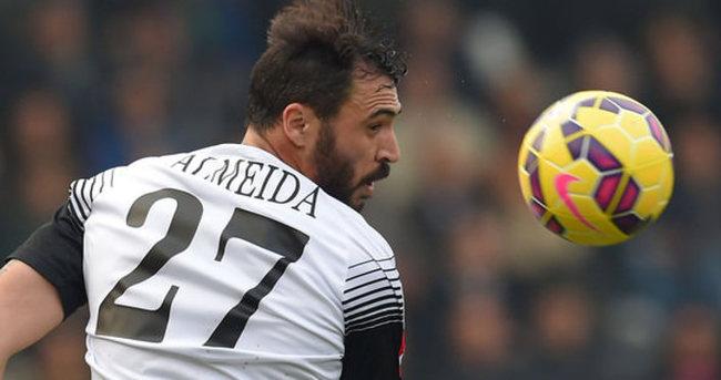 Almeida İtalya'da tutunamadı