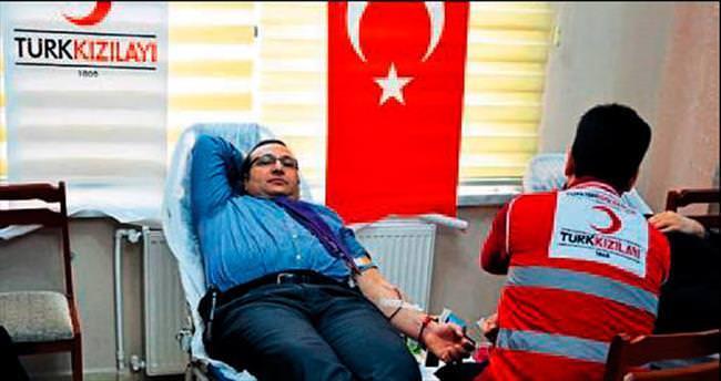 Tarsus polisi kan bağışladı
