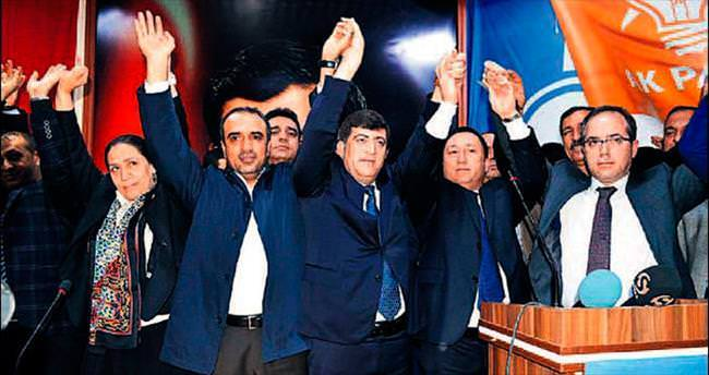 Şeyh Sait'in torunu AK Parti il başkanı