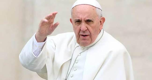 Papa Charlie Hebdo açıklamasının arkasında durdu