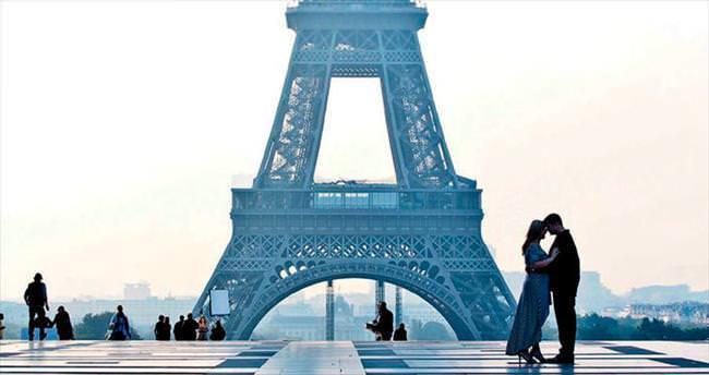 Sana sokaktan baktım romantik Paris