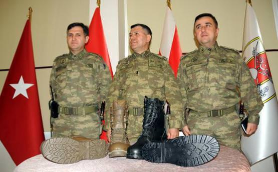 Türk askerinin giyeceği botlar hazır