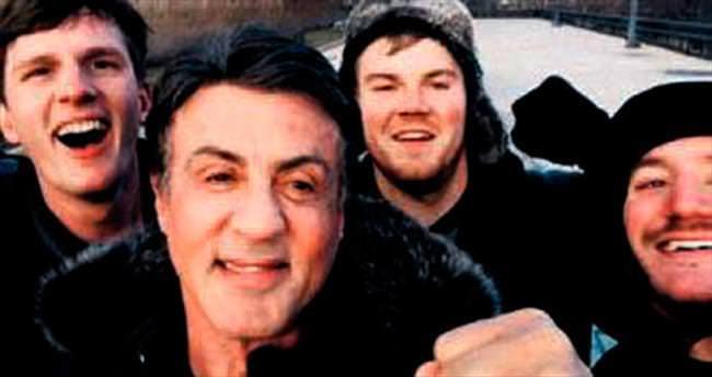 Rocky hayranlarını nakavt eden selfie!