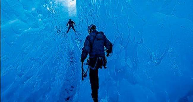 Buzulların içinde büyülü yolculuk