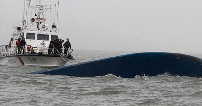 Kargo gemisi tekneye çarptı