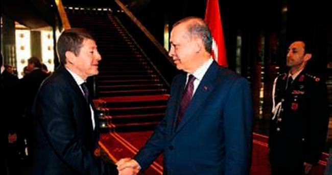 Erhan ÖZMEN: Ak Saray'da tarihi ve milli meselemizi konuştuk