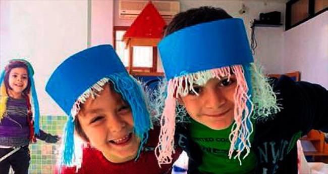 Çocukların peruk partisi