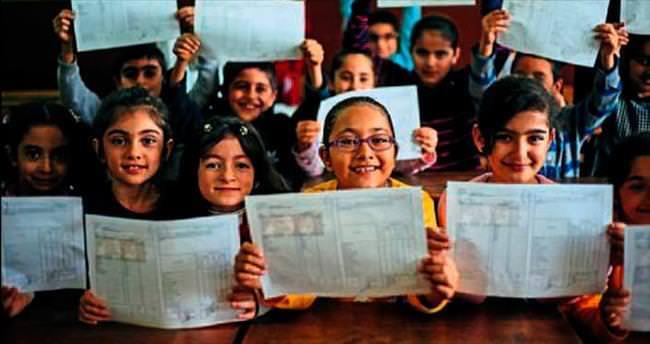 Ege'de öğrencilerin karne heyecanı