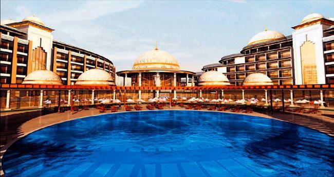 Yalova'da krallara layık otel yapıyor