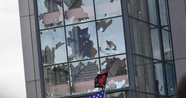 Kosova'da Başkanlık binasına saldırı