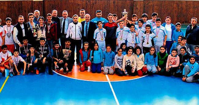 Futsalın yıldızları ödül aldı