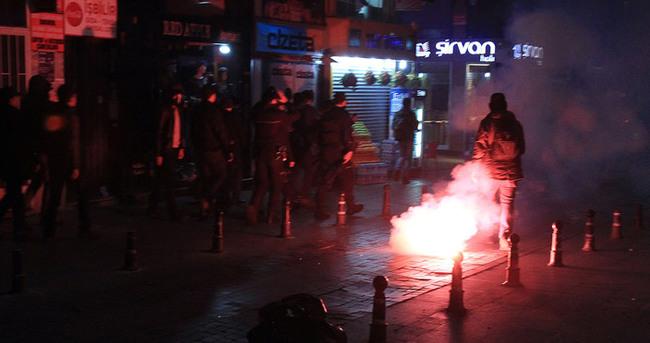 Kadıköy'de polise saldırı