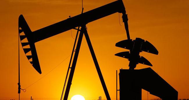 Petrol fiyatları tepetaklak
