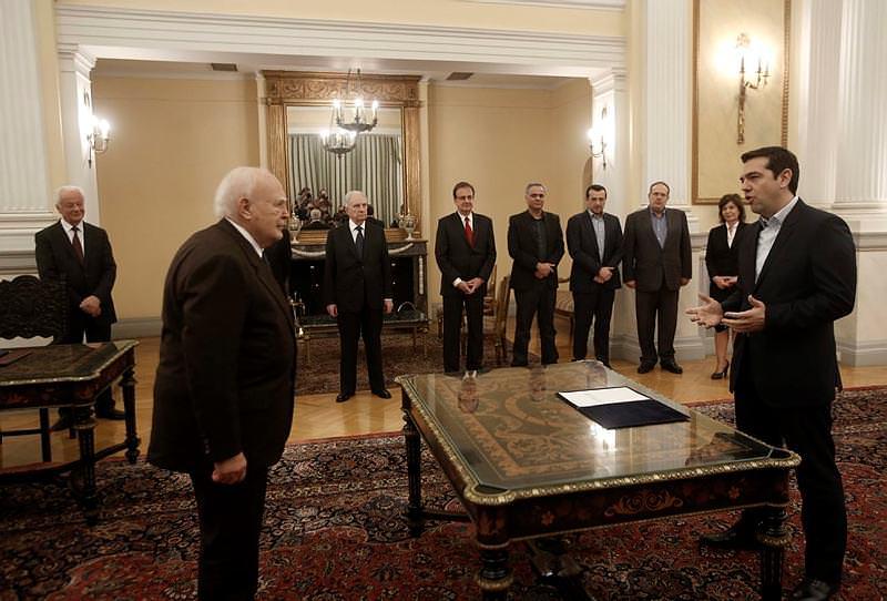 Alexis Tsipras dini yemin etmedi