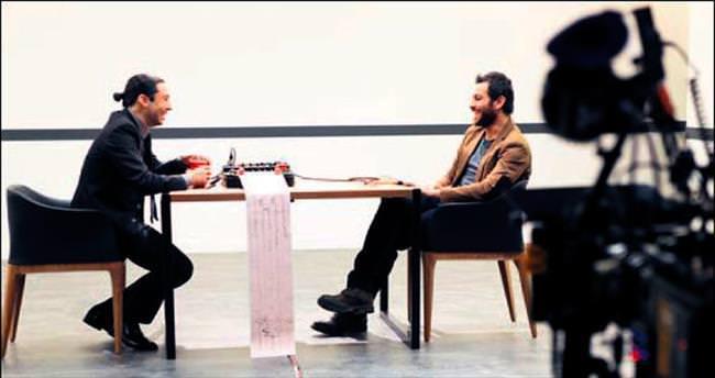 İki ünlü oyuncu yalanla sınav verdi