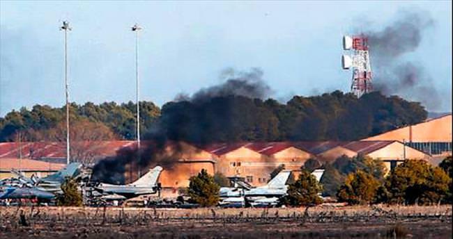 Yunan F-16'sı üsse düştü: 10 ölü