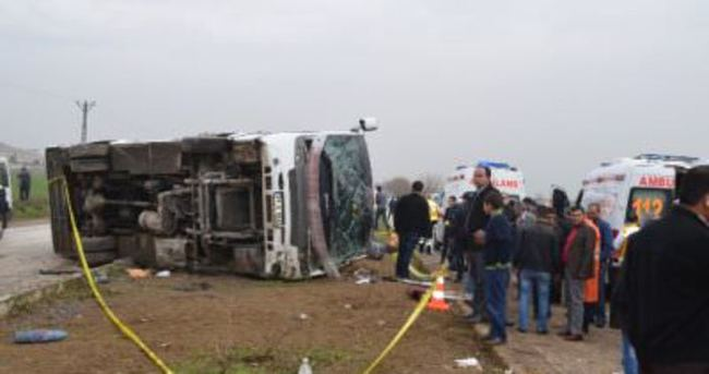 Hatay'da otobüs devrildi: 2 ölü, 15 yaralı