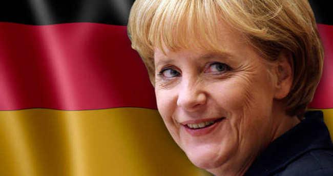 Merkel Çipras'a telgraf çekti