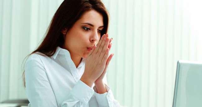 Biri boyunca duyulan şiddetli ağrılı spazmların neden