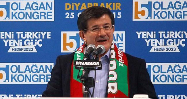 Diyarbakırlılardan Davutoğlu'na 'Kürtçe' teşekkürü