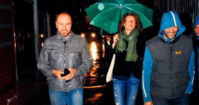 Sevgililer Karaköy'de eğlendi
