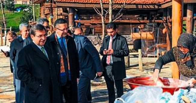 İdris Güllüce Altın Köy'ü ziyaret etti