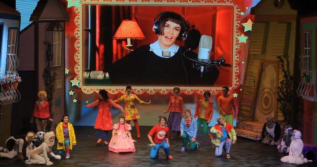 Sezen Aksu'dan çocuklara özel tiyatro oyunu